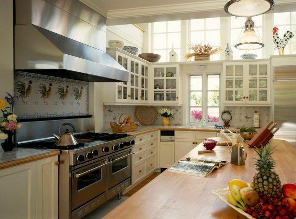 Фотография обустройства кухни .