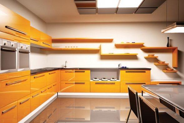 Желтая мебель в сочетании  с блестящим полом.