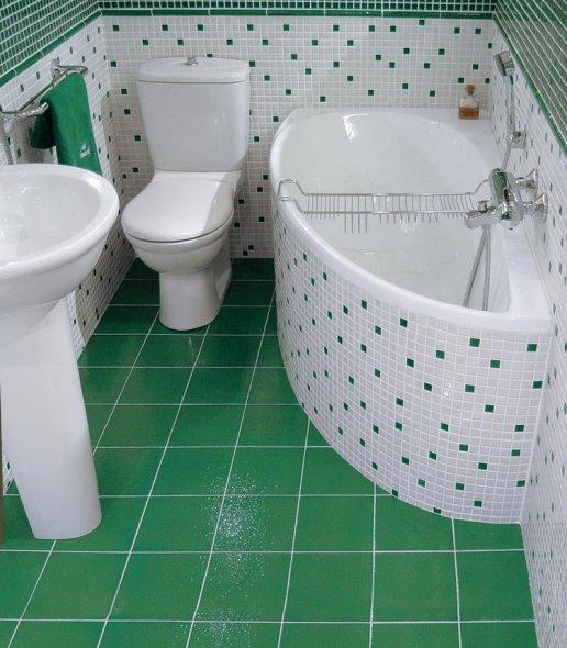 На фото мозаичное оформление плиткой ванной  комнаты.
