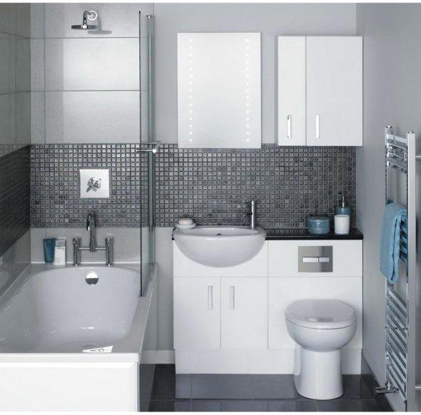 Черно-белый дизайн ванной комнаты.