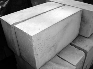 Блоки высокой точности можно класть на клей