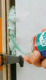 Применение монтажной пены при установке межкомнатной двери