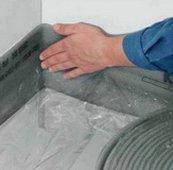 Укладка демферной ленты для теплого пола
