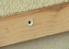 Установка на стену деревянной обрешетки