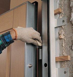 Установка Монтаж входных металлических дверей своими руками