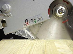 Электропила в работе