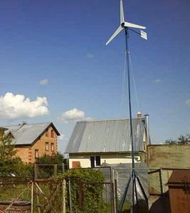 Ветряк возле дома