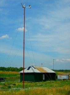 Ветровой генератор в поселке