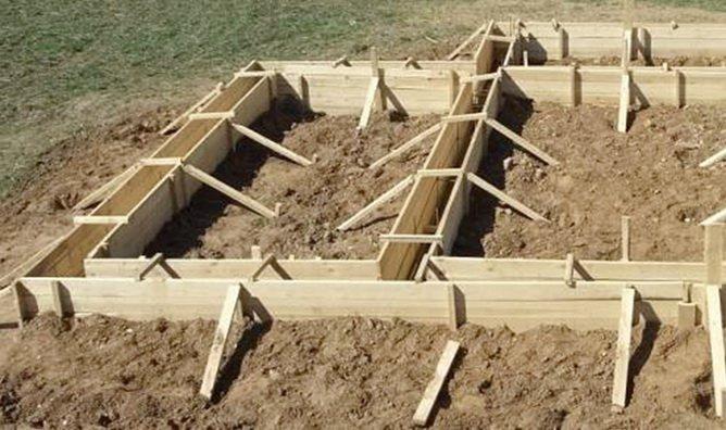Опалубка под фундамент для дома