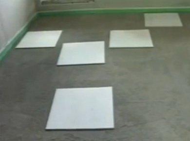 Для хождения по подсыпке укладываются плиты ГВЛ