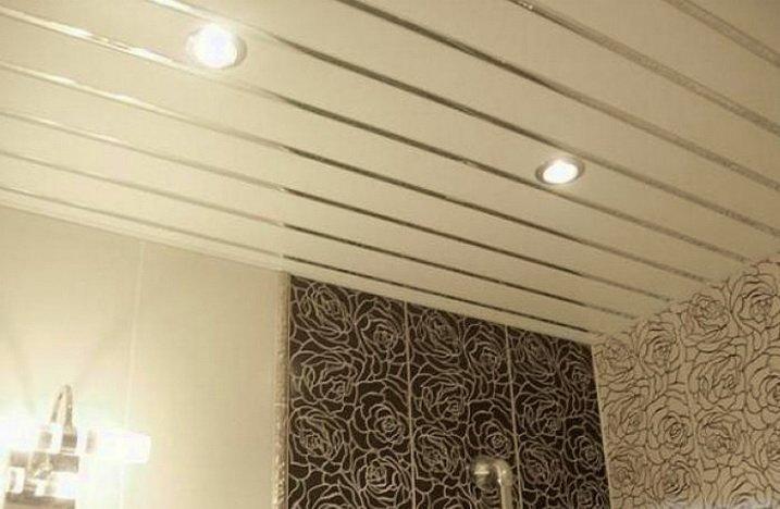 Потолок из простых реек - не дорогое решение