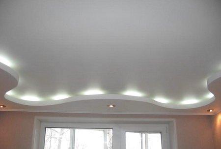 Подвесной потолок сделан в жилой комнате