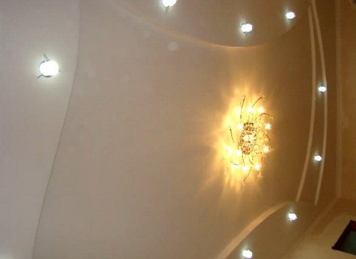 Многоуровневый потолок - сложная работа