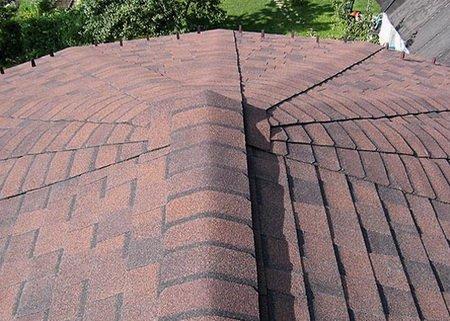 Вид с крыши покрытой мягкой кровлей