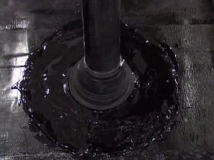 Как уплотнить примыкание к трубам с помощью фасонной детали