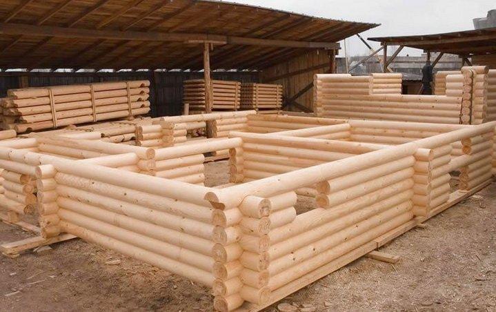 Строительство деревянных стен из бревен