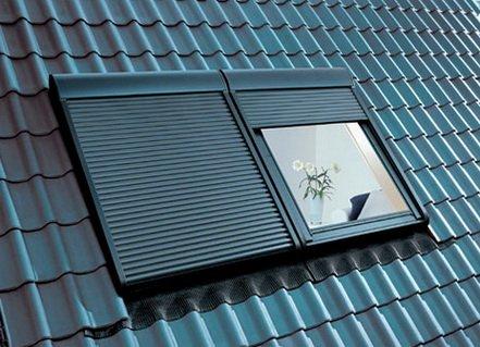Окна на мансарде с жалюзи - особенно функционально и комфортно