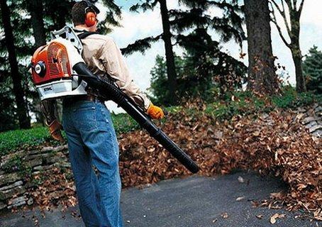 Воздуходувка - эффективное средство уборки территории