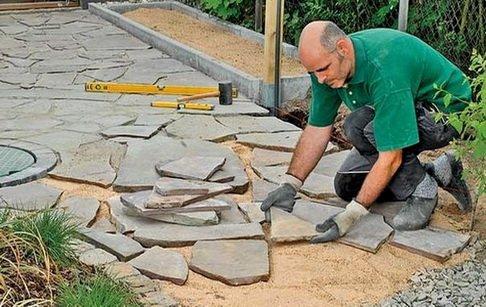 Укладка камня на песчаную подсыпку