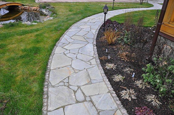 Как правильно сделать дорожку и отмостку из каменных плит