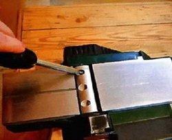 Снятие ножей с электрорубанка