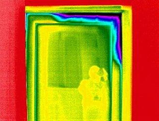 Как выглдит утечка тепла с воздухом на тепловизоре