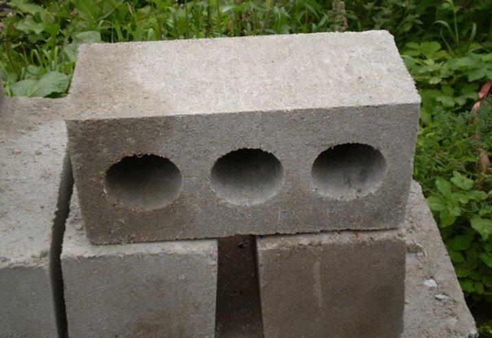 Бетоннные блоки кустарного производства с неизвестными параметрами