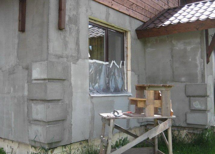 Цементные и известковые штукатурки для прочных стен