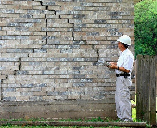 Какую толщину стены из кирпича или блоков выбрать