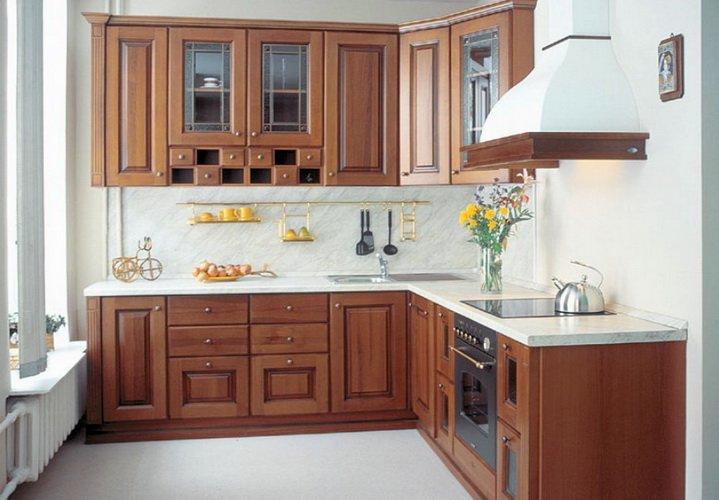 Мебель углом на небольшой кухне