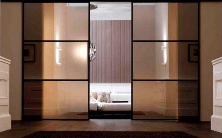 Большие стеклянные раздвижные двери