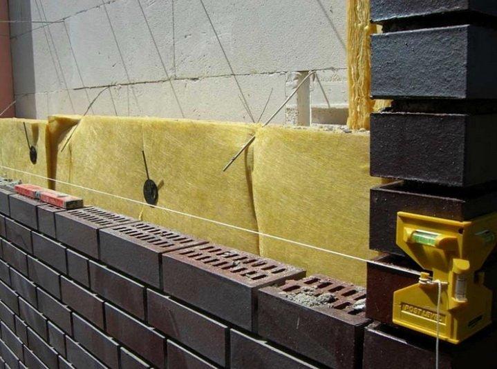 Облицовка стены из газобетона кирпичем