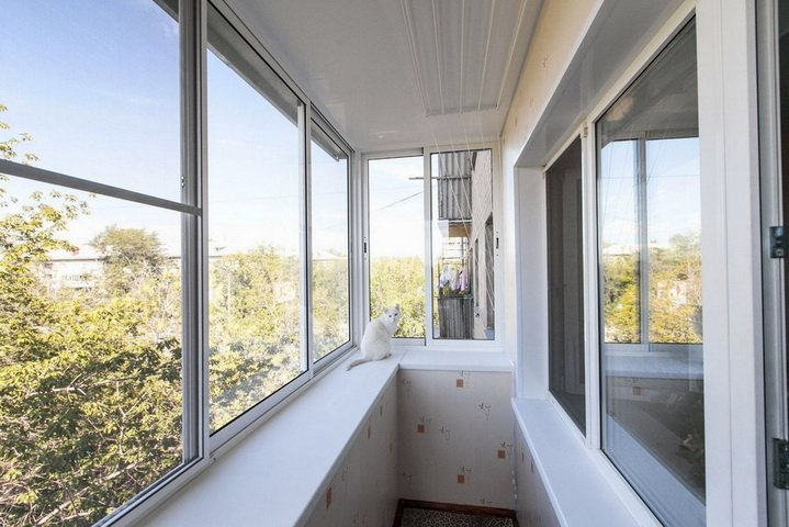 Простая утепленная отделка балкона  и лоджии