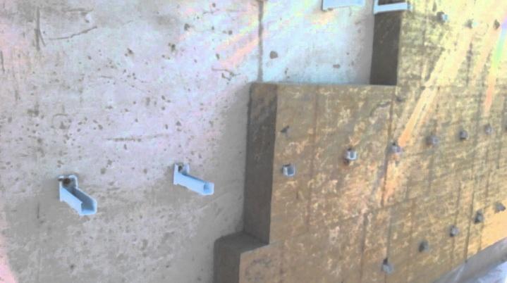 Минеральная вата крепится на стену тарельчатыми дюбелями
