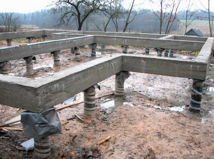 Сделанный фундамент на пучащем грунте