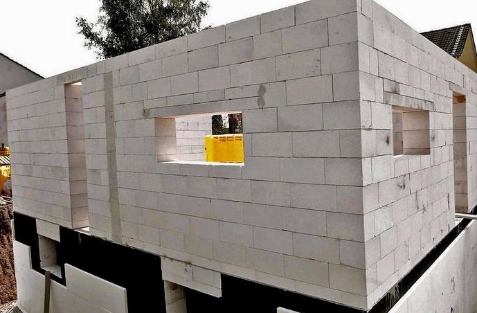 Какие стены сделать — прочность, теплоизоляция, толщина