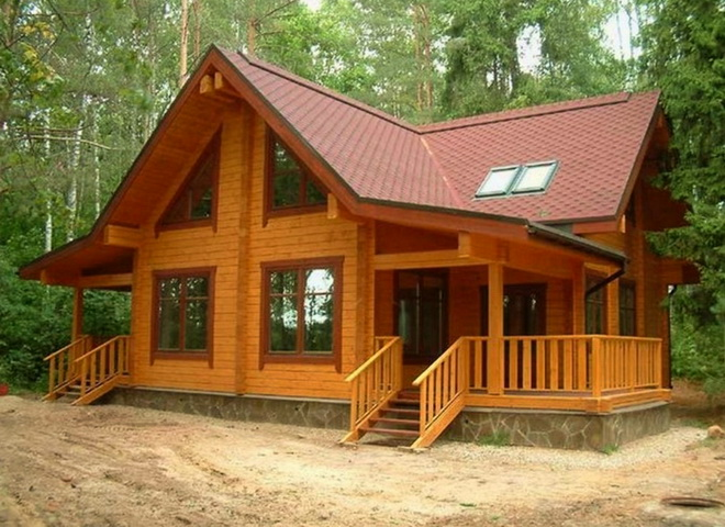 Симпатичный деревянный дом