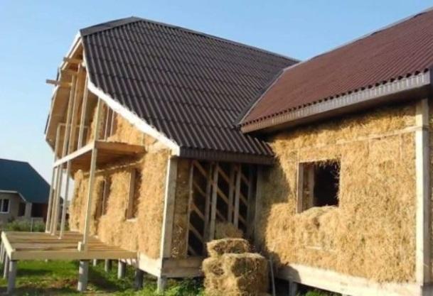 Обычные дома из соломы