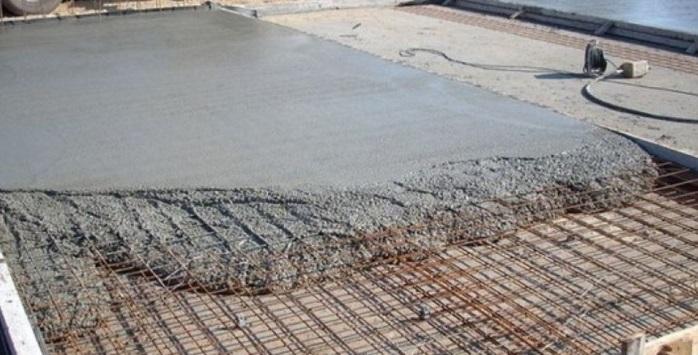 укладка бетона в фундамент