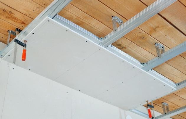 Как устанавливать на потолке