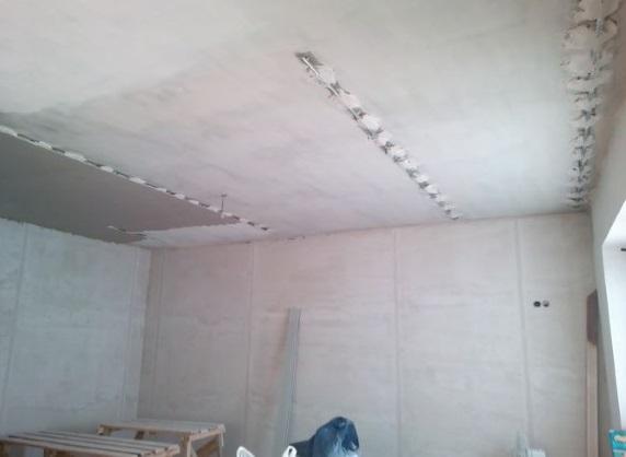 создание штукатурки на потолке