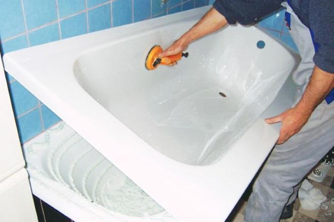 Установка вкладыша на ванну