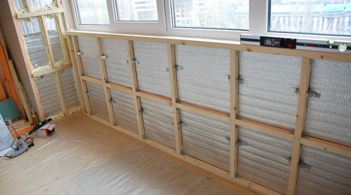 Как утеплить и отделать балкон – популярные варианты на видео