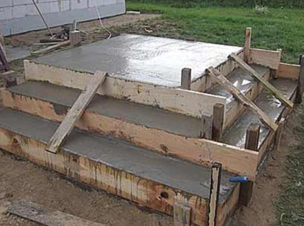 Создание крыльца из бетона