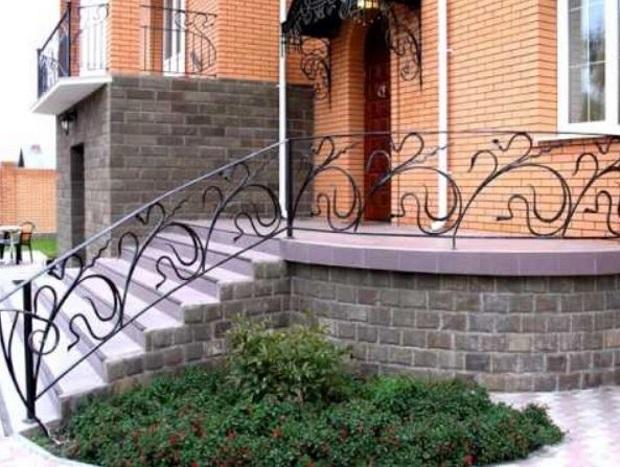 Фигурные перила для лестницы