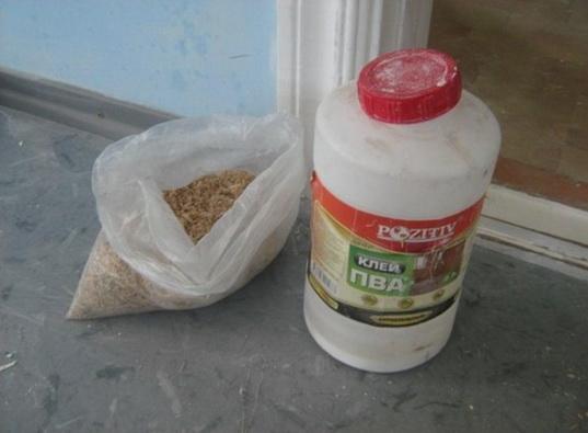 Клей ПВА и опилки - шпатлевка