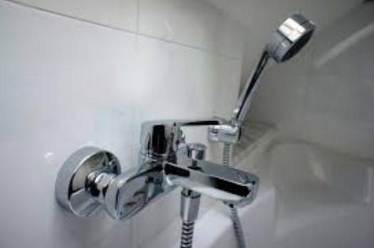 обычный душ смесителя